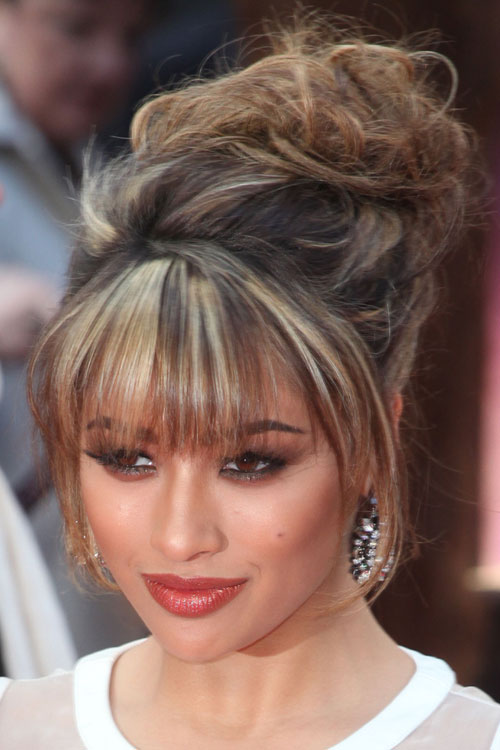Vanessa White Wavy Light Brown All Over Highlights Messy Straight