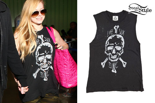 avril lavigne ripped skull muscle tee