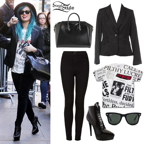 "Demi Lovato arriving at ""Good Morning America"" October 24th, 2013 - photo: dlovato-news"