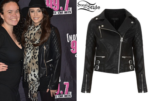 Cher Lloyd with fans at Santana Row, San Jose with 99.7 NOW - photo: 99.7 NOW