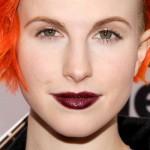 hayley-williams-burgundy-lipstick