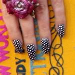 katy-perry-polka-dot-nails