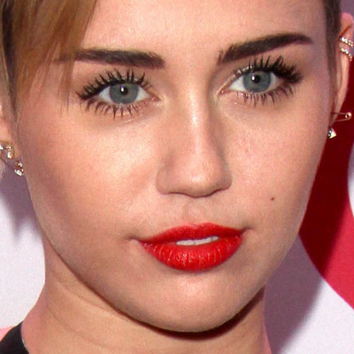 miley cyrus makeup amp red lipstick steal her style