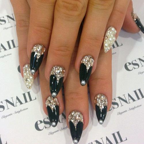 Neon-hitch-nails-black-jewels