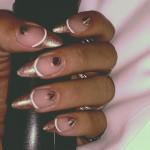 rihanna-nails-studs