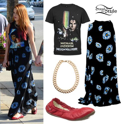 Debby Ryan: Blue Daisy Print Skirt