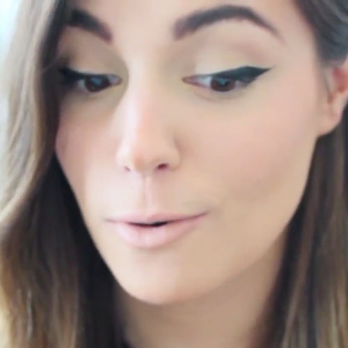 Marzia Bisognin Makeup: Black Eyeshadow & Pale Pink ...
