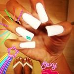 meissa-marie-green-nails-white-dollar