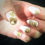 miley-cyrus-nails-white-charms