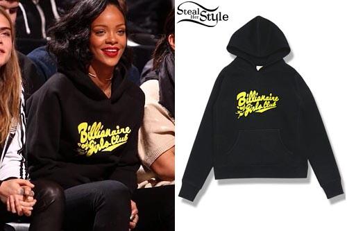 Rihanna at a basketball game at Barclay's Center January 6th, 2013 - photo: ultimate-rihanna