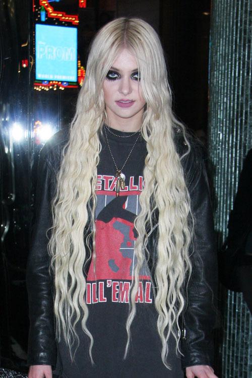 Taylor momsen blue hair