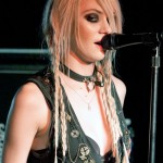 taylor-momsen-hair-mini-braids-2