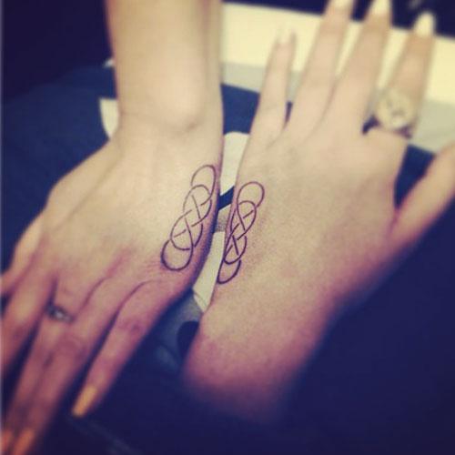 asami-zdrenka-double-infinity-tattoo