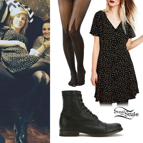 Ellie Goulding: Print Dress, Spike Tights
