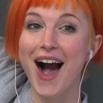 hayley-williams-makeup-beige-gray