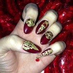 katy-perry-nails-burgundy-gold