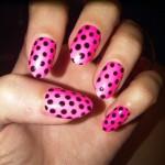 katy-perry-nails-pink-polka-dots