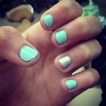 madison-beer-nails-mint-green