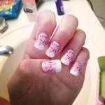 madison-beer-nails-pink-donut