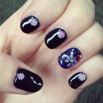 perrie-edwards-nails-daisy