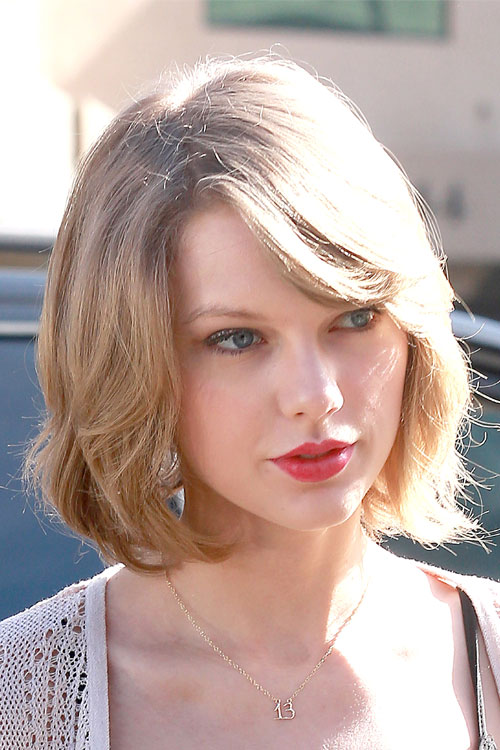 Taylor Swift Straight Ash Blonde Bob Hairstyle Steal Her