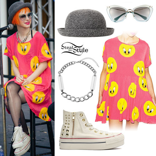 Hayley Williams: Pink Tweety Bird Dress