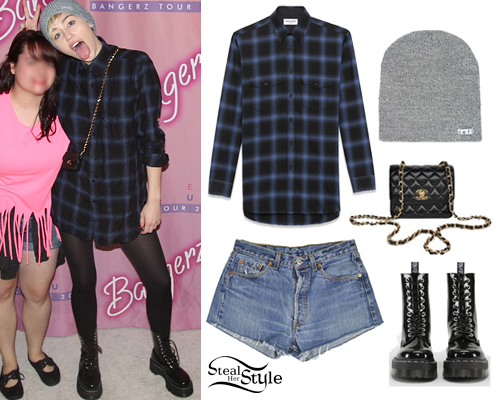 Miley Cyrus at her Bangerz Tour meet & greet in Houston, March 16th, 2014 - photo: mileyhq