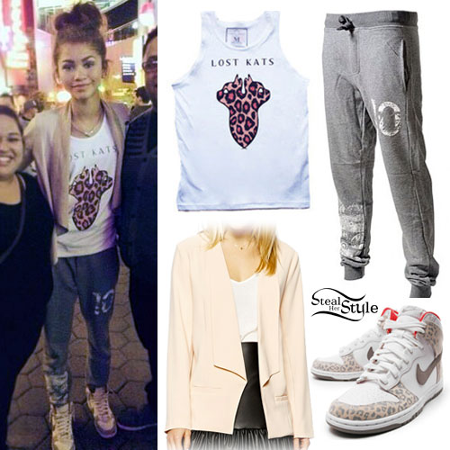 Zendaya: Lost Kats Tank Top, 10 Sweatpants