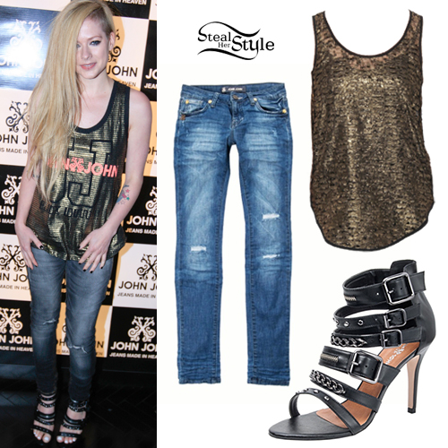 Avril Lavigne: John John Denim Outfit