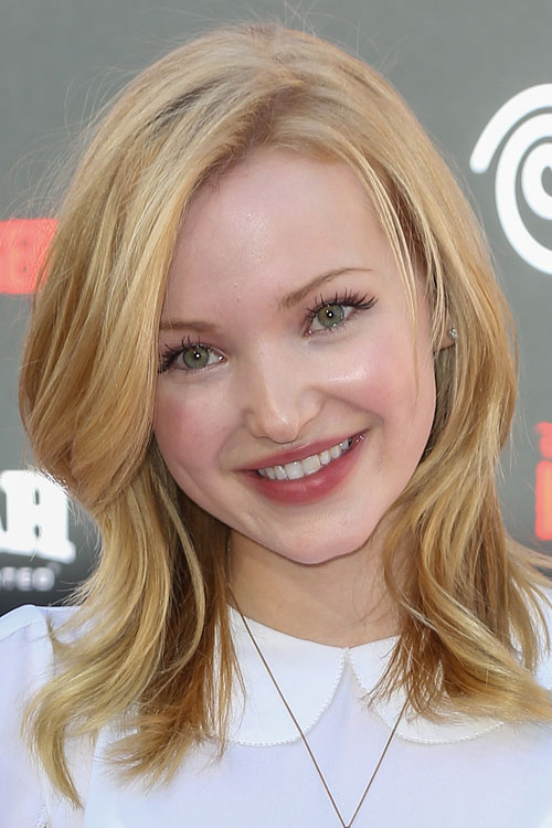 Dove Cameron Wavy Golden Blonde Hairstyle Steal Her Style