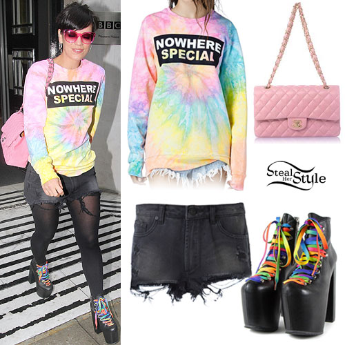Lily Allen: Tie Dye Sweater, Rainbow Lace Boots