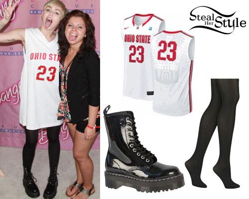 Miley Cyrus at her Bangerz Tour Meet & Greet in Columbus,  April 13th 2014 - photo: mileynation