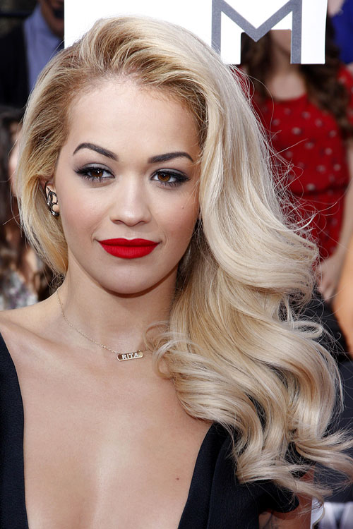 Rita Ora Wavy Golden Blonde Faux Sidecut Side Part
