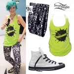 Hayley Williams: Monumentour Merch Outfit