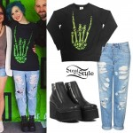 Hayley Williams: Skeleton Hand Sweater Outfit
