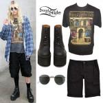 Taylor Momsen: Led Zeppelin Tee, Platform Boots
