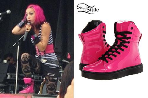 Ariel Bloomer: Hot Pink Sneaker Boots