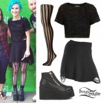 Hayley Williams: Ripped Sweater Skirt Outfit