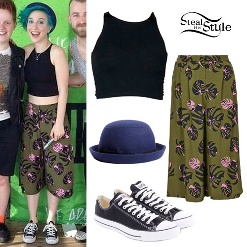 Hayley Williams: Olive Culotte Shorts Outfit