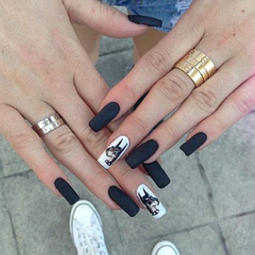 Kylie Jenner Nails Dog
