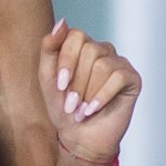 ariana-grande-nails-pink-oval