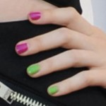 hayley-williams-nails-fuchsia-green