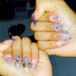 nicki-minaj-nails-clear-jewels