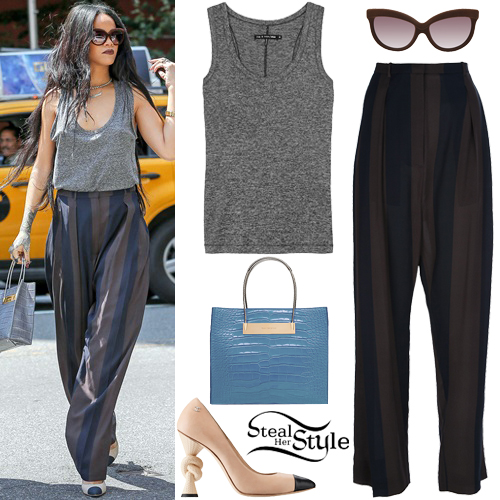 Rihanna out and about in New York. August 20th, 2014 - photo: rihanna-diva