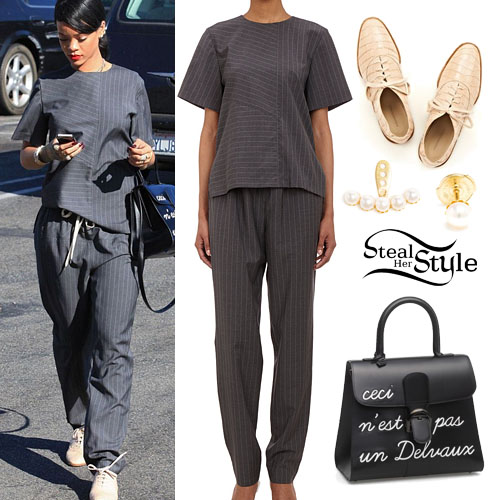 Rihanna leaving La Petit Four in Los Angeles, August 12th, 2014 - photo: rihanna-photos