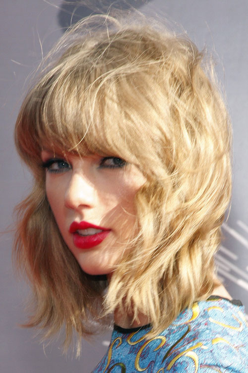 Taylor Swift Wavy Honey Blonde Messy Straight Bangs