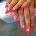 jasmine-villegas-nails-jewel-triangle