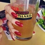meissa-marie-green-nails-red-2