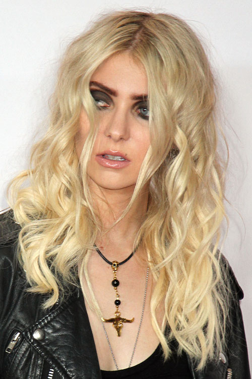 Platinum Blonde Hair Taylor Momsen | Dark Brown Hairs