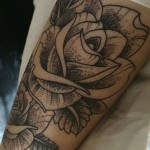 acacia-brinley-clark-rose-arm-tattoo